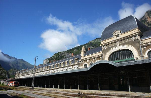 La rehabilitación de la Estación de Canfranc paralizada