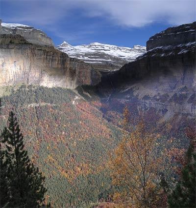 El Parque Nacional de Ordesa y el Parque Nacional francés de los Pirineos renuevan su Carta de Cooperación